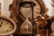 Lupa Akan Waktu